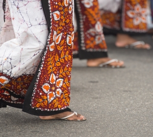 Sri Lankan women.